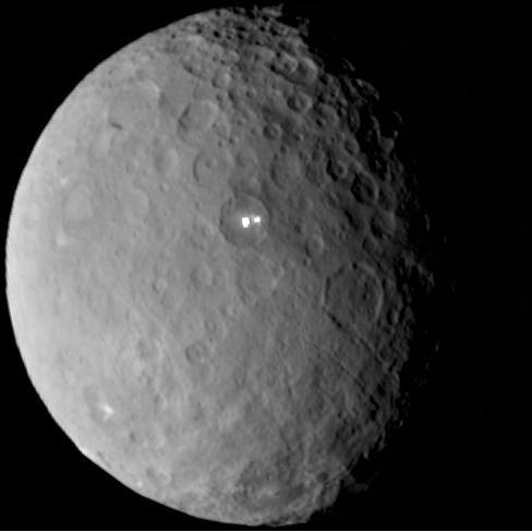 Ceres_Dawn2015